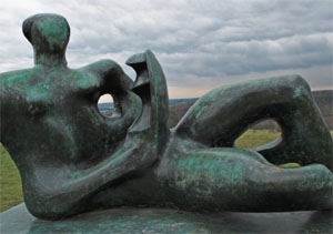 expo-henry-moore-sculpture